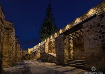 Espacio Trapezoidal de Medina Azahara por la noche