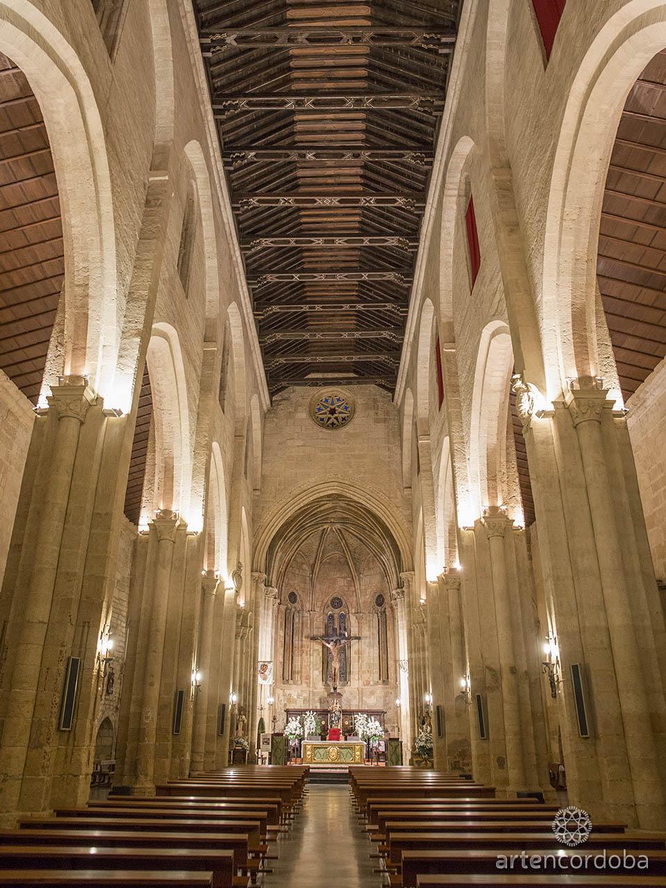 Nave central de la Iglesia de Santa Marina en Córdoba