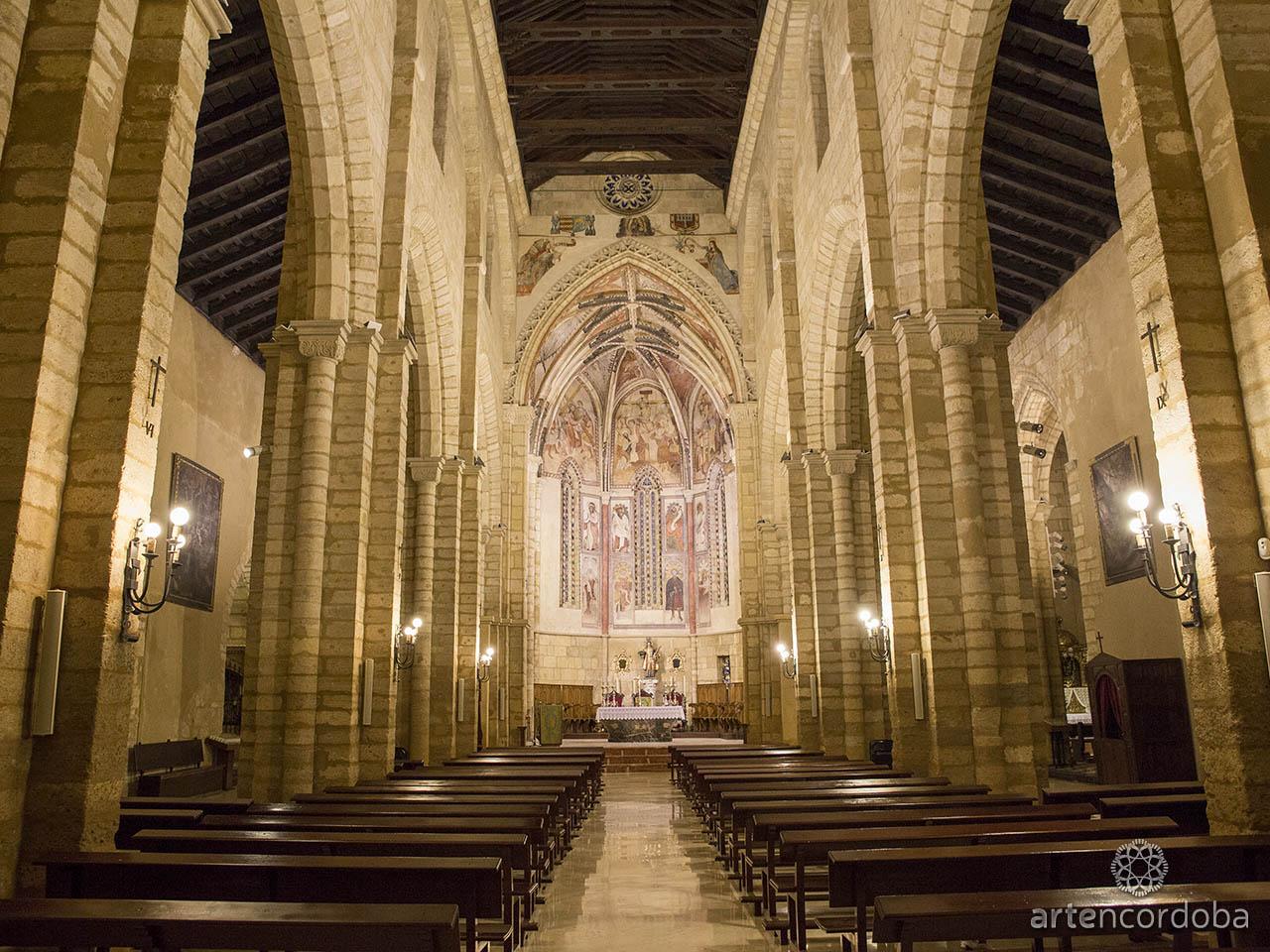 Nave central de la Iglesia de San Lorenzo en Córdoba
