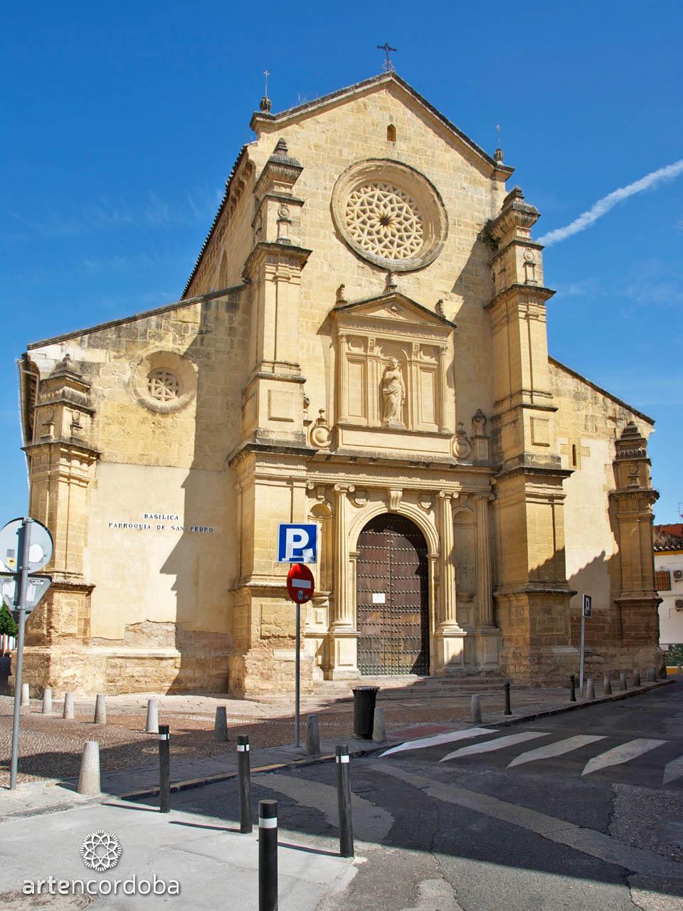 Fachada de la Iglesia fernandina de San Pedro en Córdoba