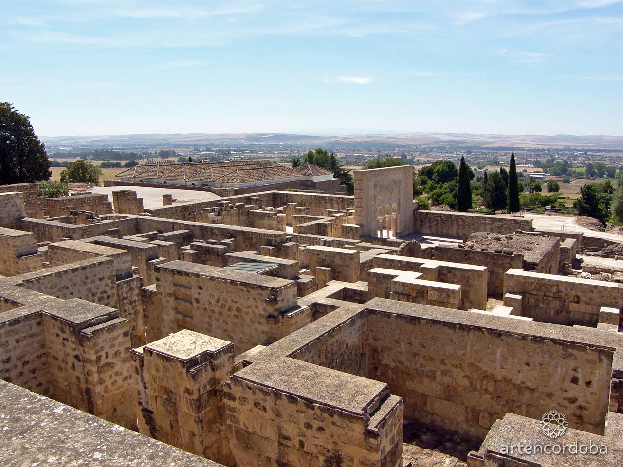 Vista panorámica del conjunto arqueológico de Medina Azahara