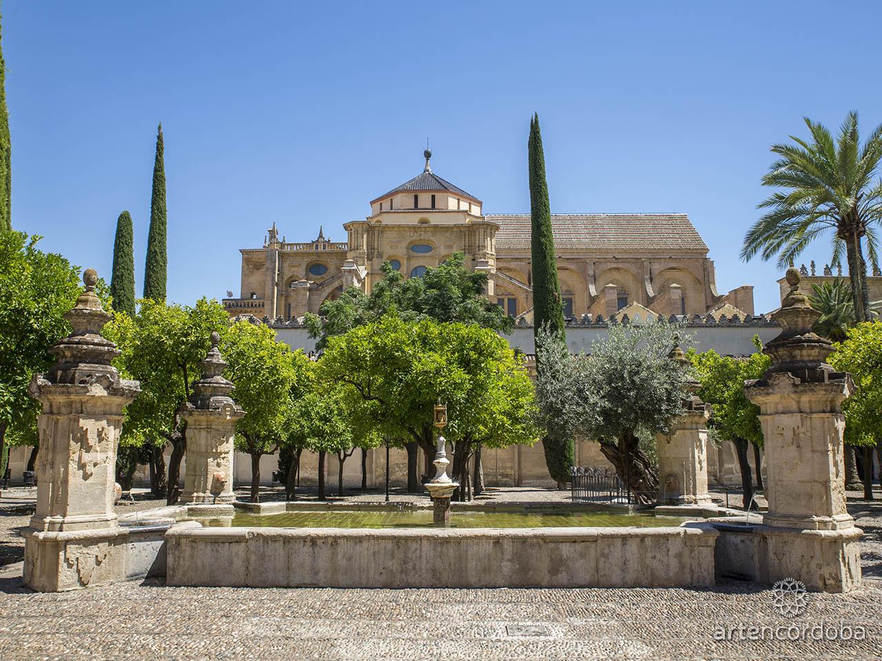 La fuente del Patio de los Naranjos de la Mezquita-Catedral de Córdoba