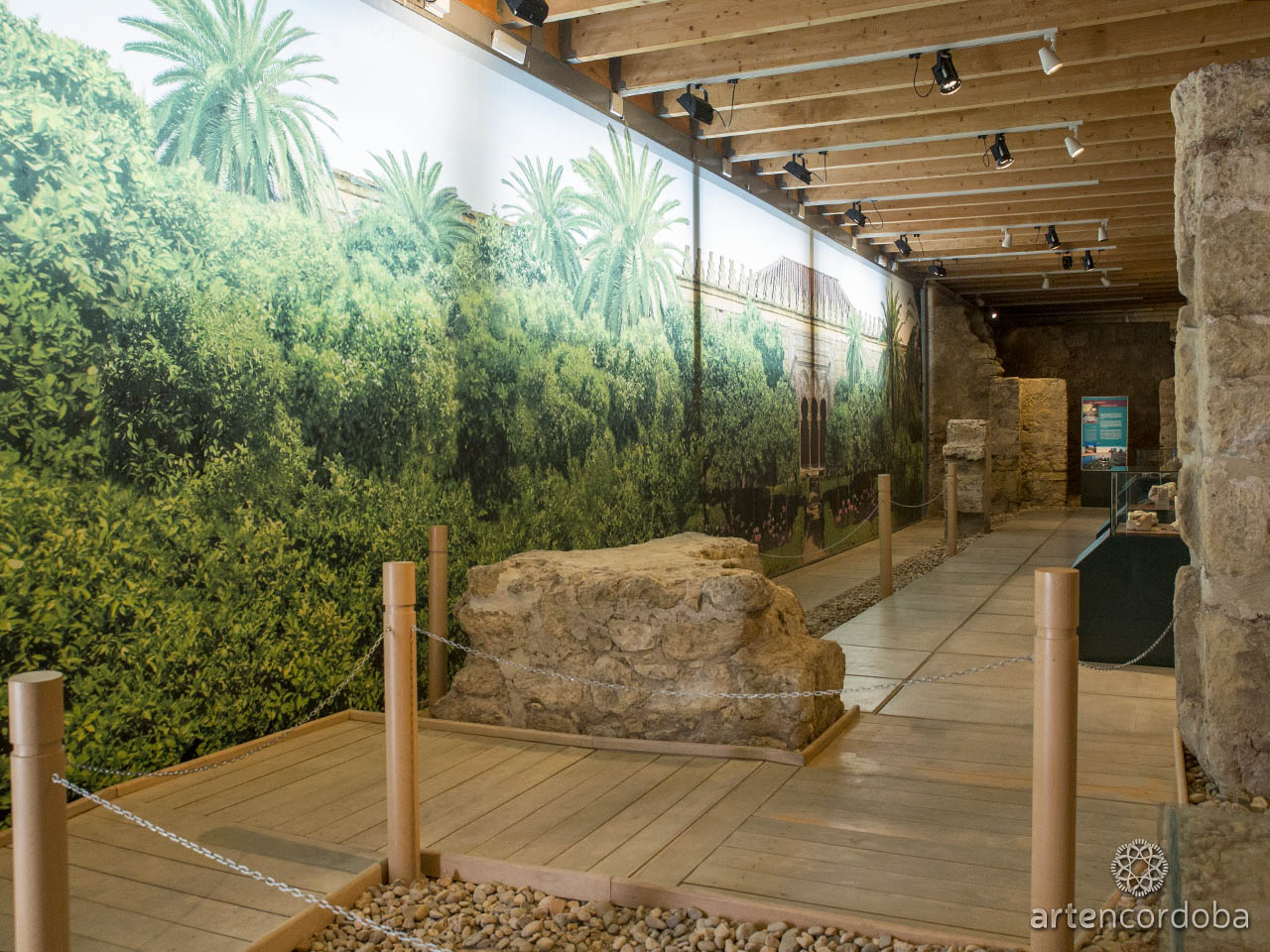 Sala dedicada al 'Jardín Andalusí' en los Baños Árabes del Alcázar Califal (Baños Califales) de Córdoba