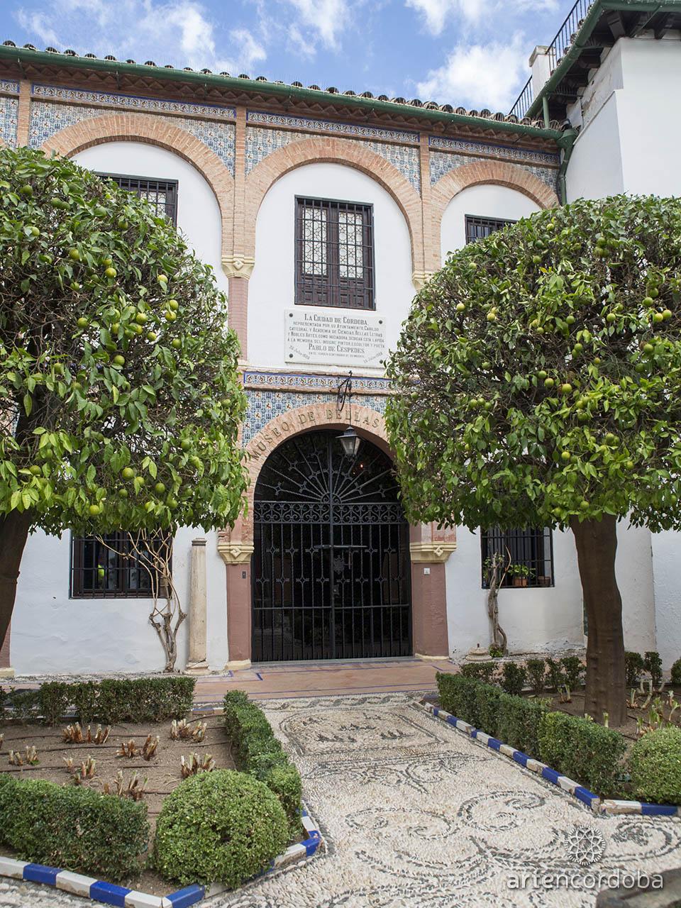 Entrada principal al Museo de Bellas Artes de Córdoba