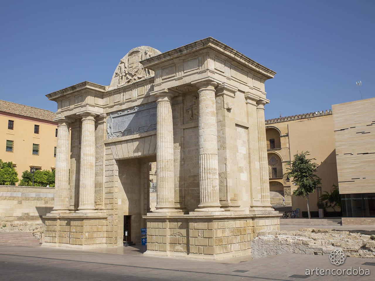 La Puerta del Puente Romano de Córdoba vista desde el sur