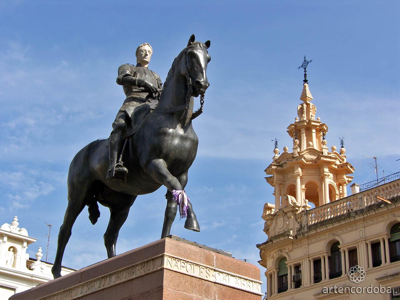Escultura del Gran Capitán en la Plaza de las Tendillas