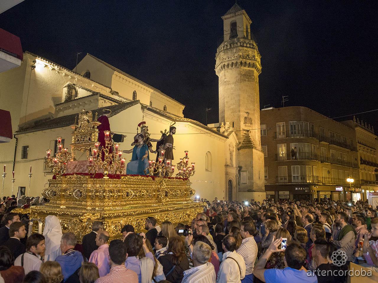 Nuestro Padre Jesús de la Sentencia llegando a San Nicolás - Hermandad de La Sentencia en Córdoba